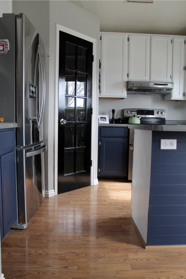 Navy Painted Base Cabinets Chris, Paint Kitchen Cabinets Dark Blue