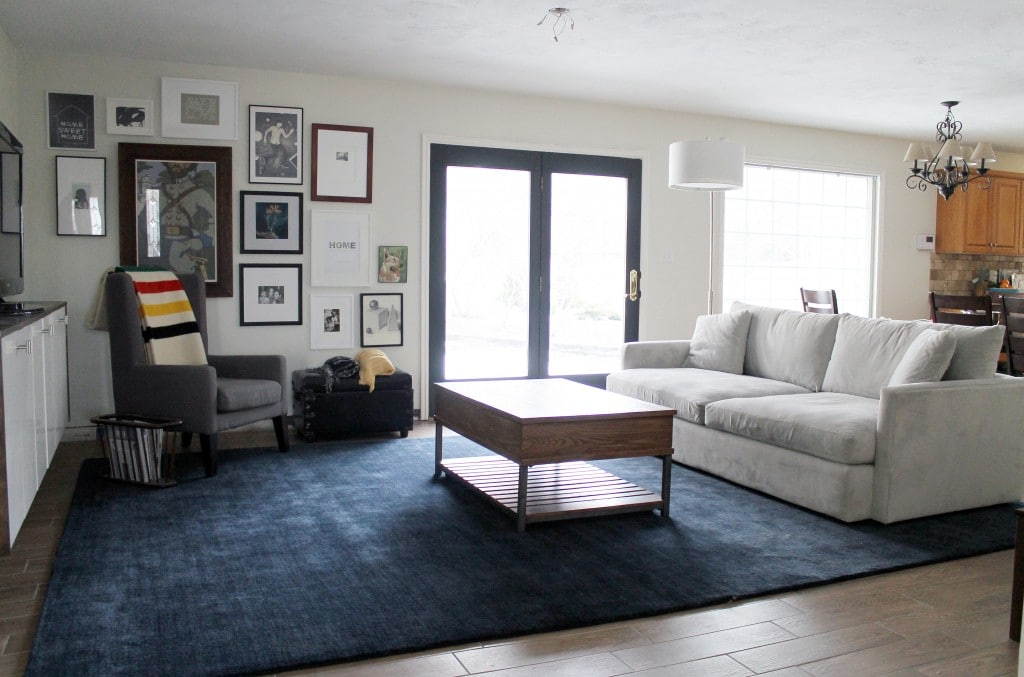 Chris Loves Julia | A Neutral Bold Area Rug Transforms the Living Roomopt1