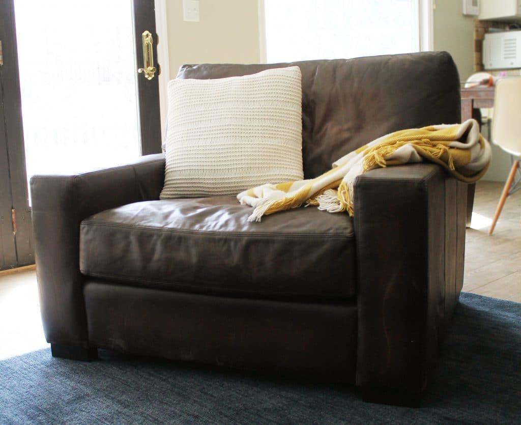 Marvelous Pottery Barn Leather sofa Decors – Dievoon