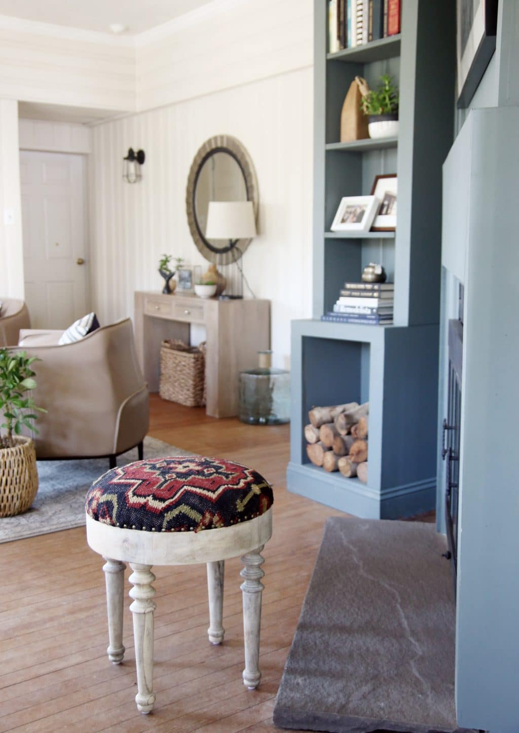 Lowe S Spring Makeover Afters A Modern Lake House Entry