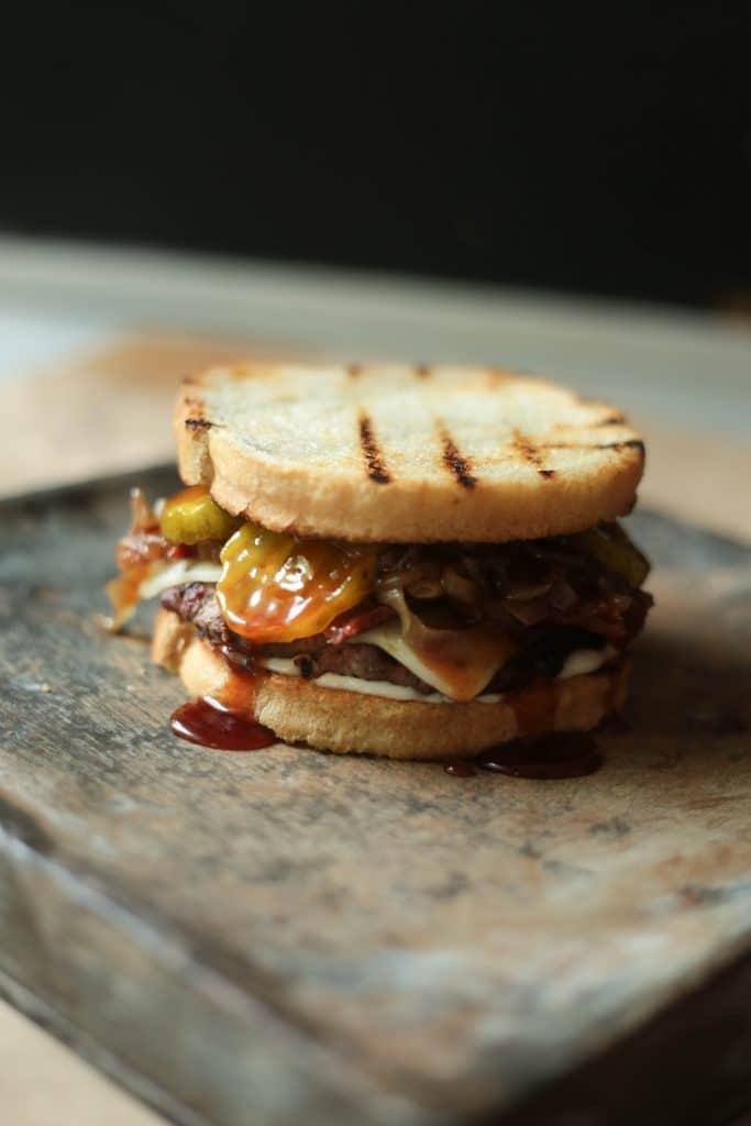 The Dirty Burger | Chris Loves Julia