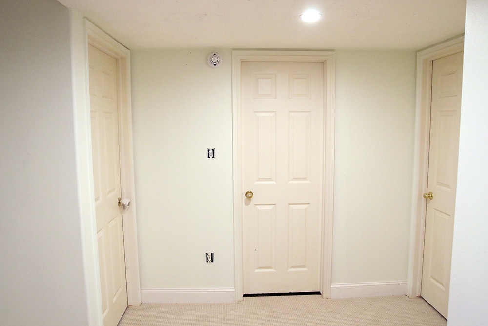 Should interior doors be painted flat or semi gloss for Paint for doors interior