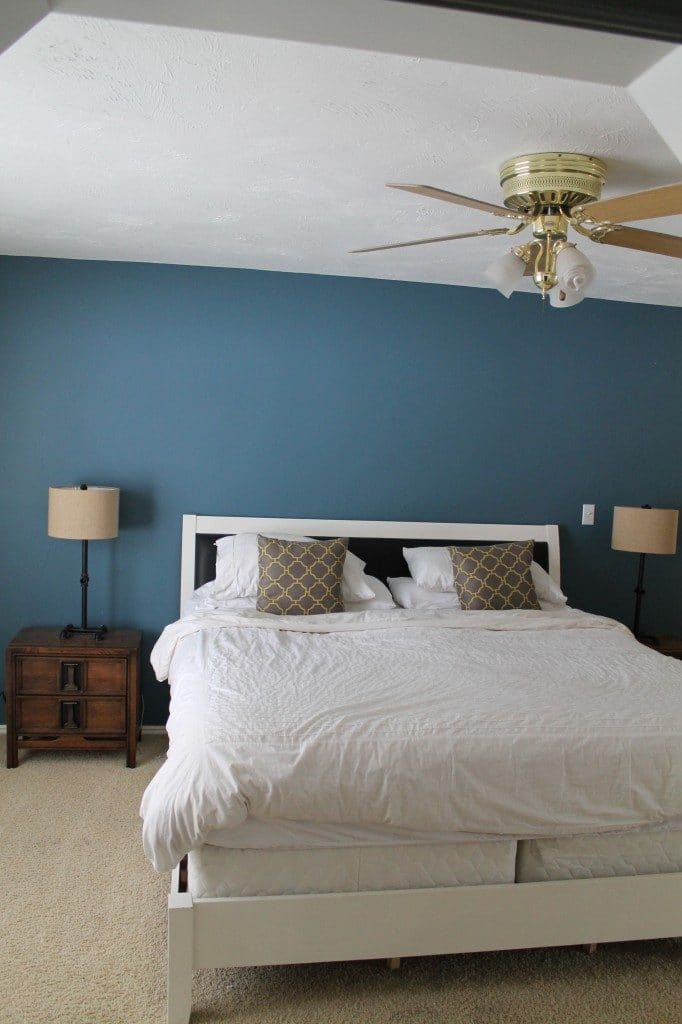 A Modern Ceiling Fan in our Bedroom | Chris Loves Julia