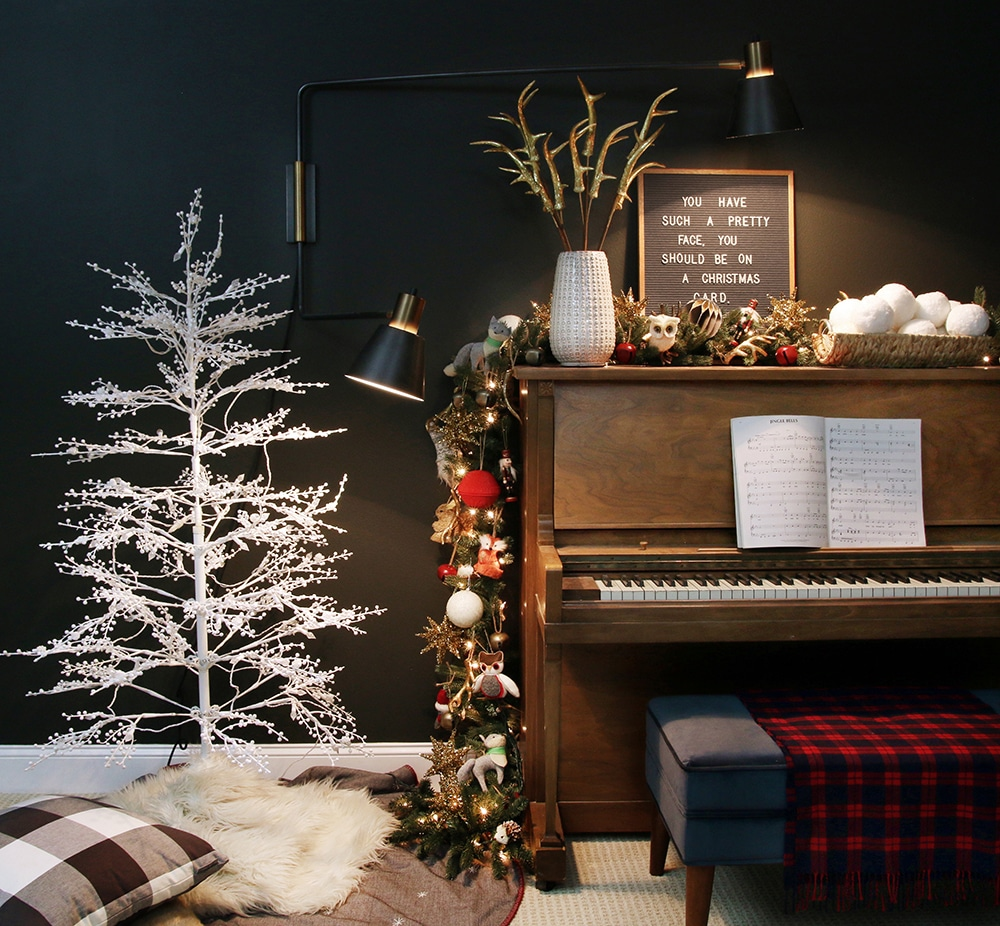Turn a piano into a mantel!