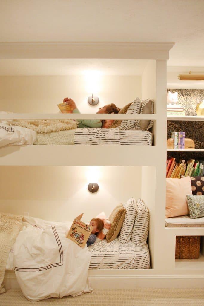 Built-in bunkbeds by Chris Loves Julia