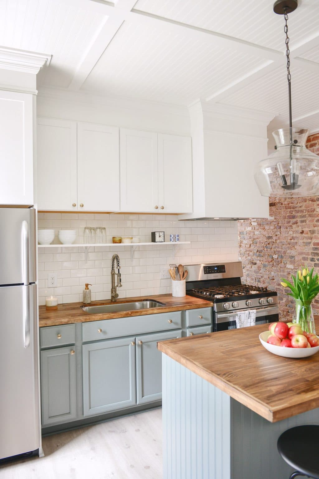 100 year old home gets a 3 Day Kitchen Makeover for less than $5K ...