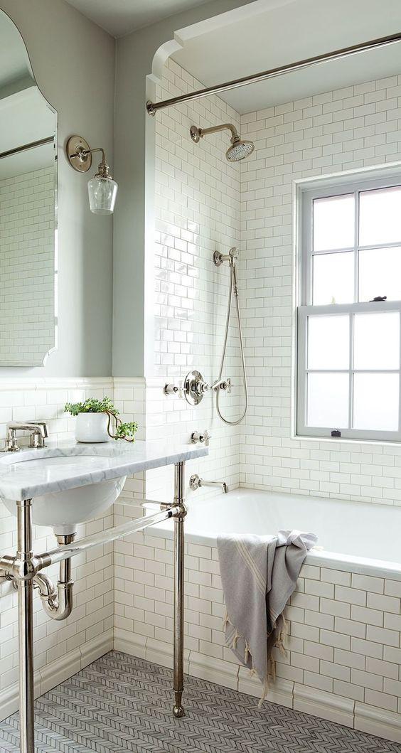 Luxury Girls Bathroom Property