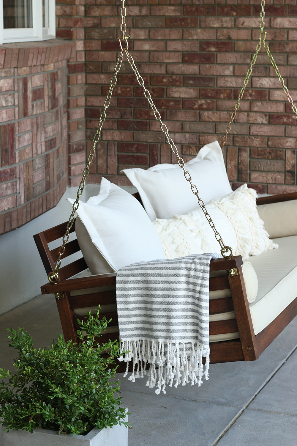 How We Completely Transformed Our Porch Swing With Gel