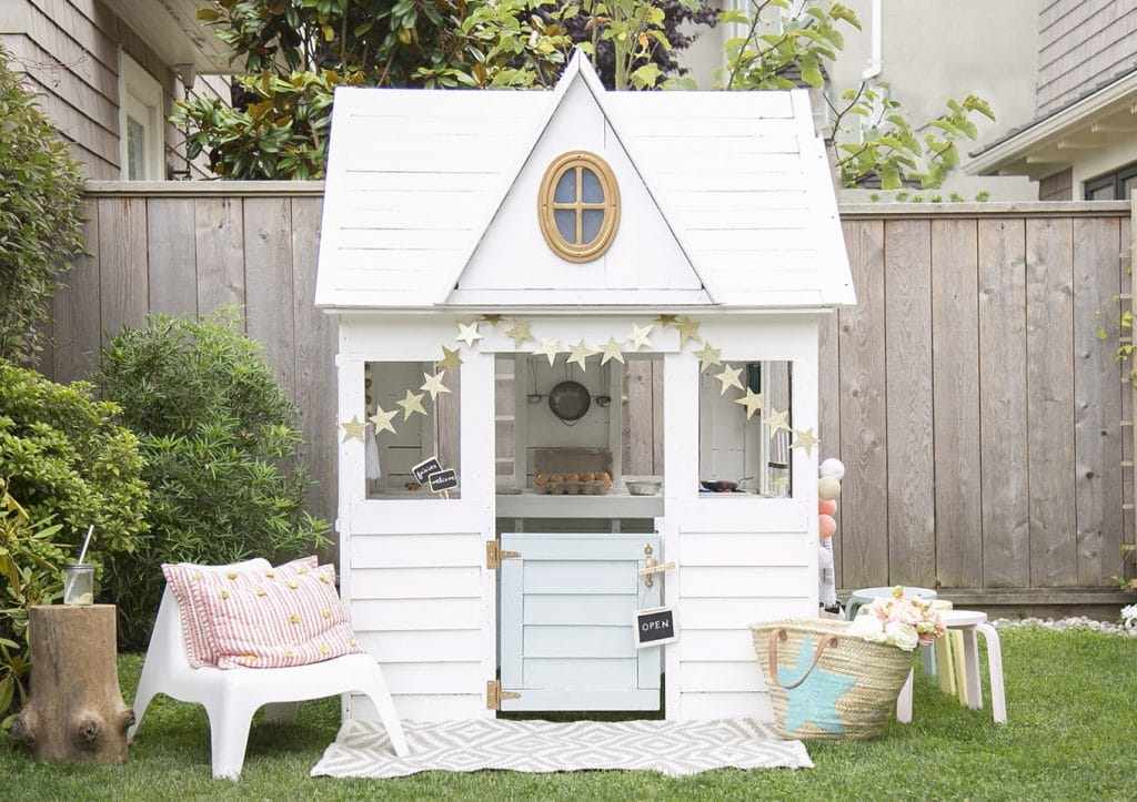 5 amazing playhouse playset makeovers chris loves julia for Classic hard house