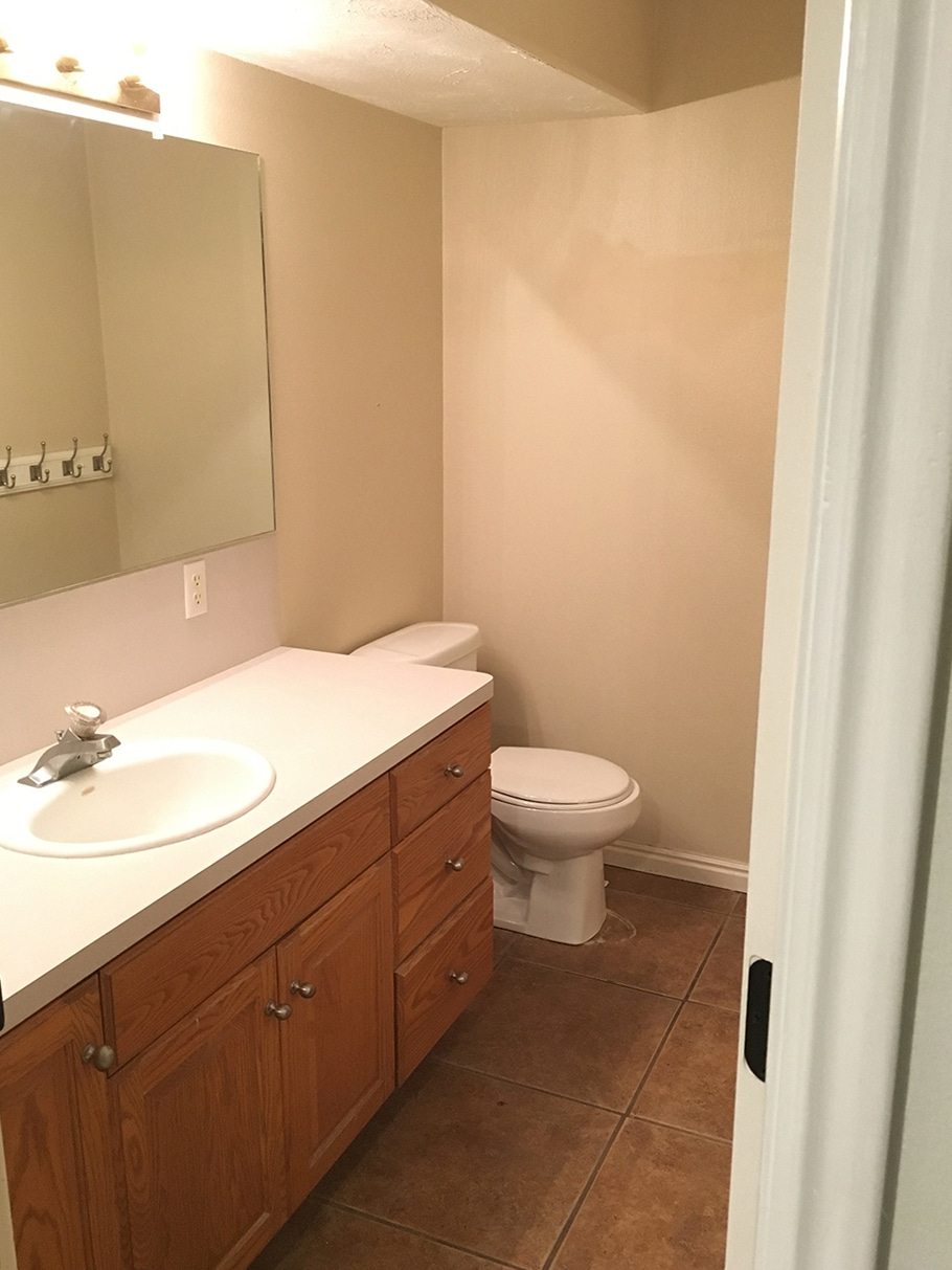 Before And After: The Girls\u0027 Bathroom is finished! - Chris Loves Julia