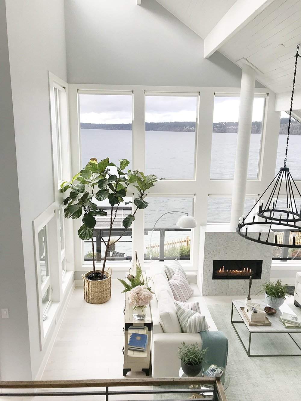that time i got to tour the hgtv dream home chris loves julia. Black Bedroom Furniture Sets. Home Design Ideas