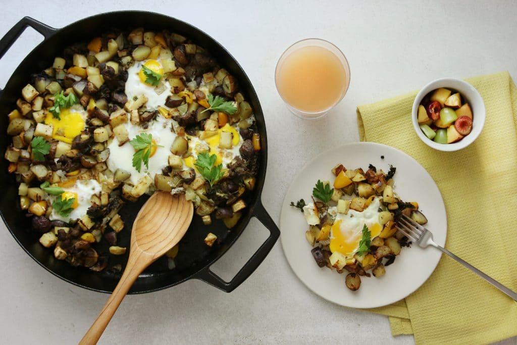 Summer skillet dish for breakfast