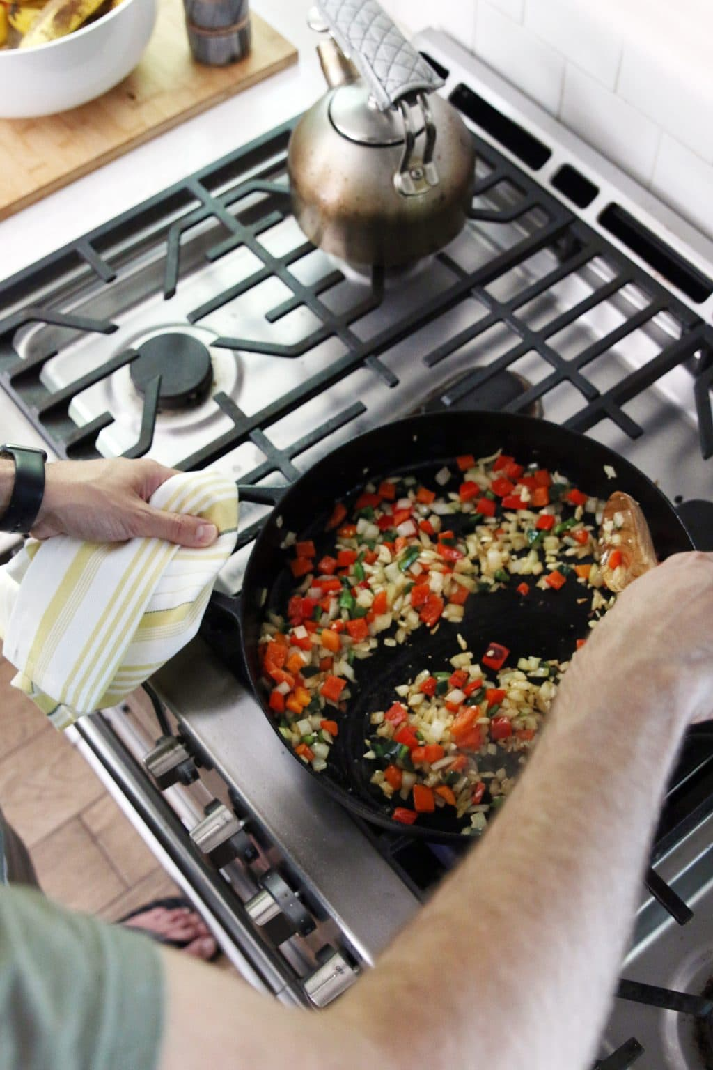 Sauteeing vegetables for paella