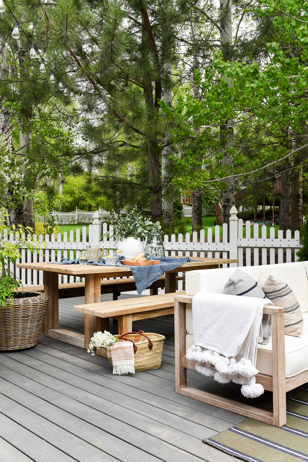 Amazing Our Deck Styled By Studio Mcgee Chris Loves Julia Pabps2019 Chair Design Images Pabps2019Com