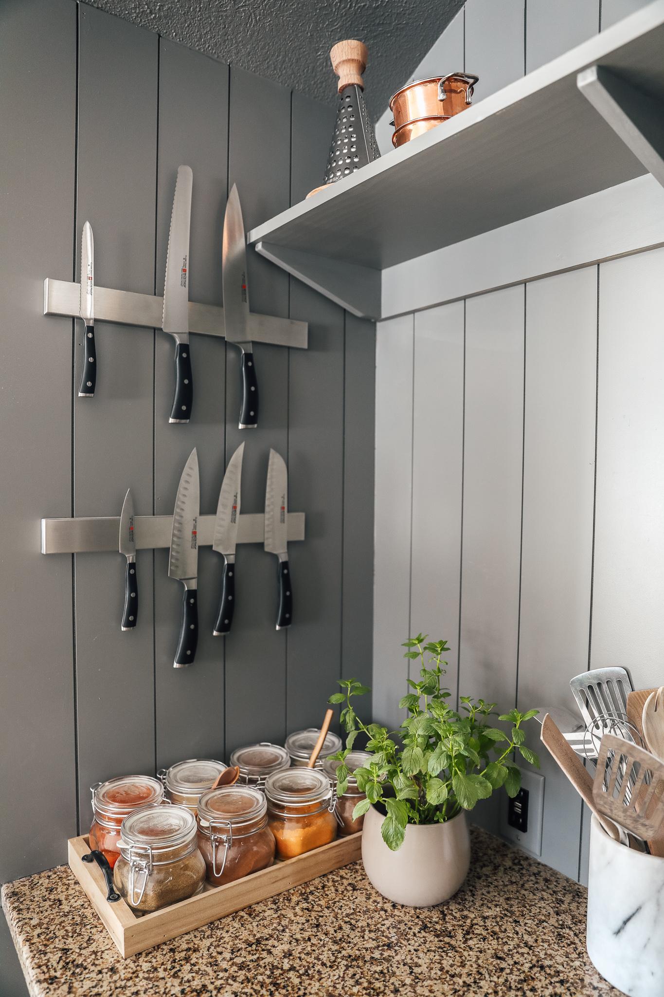 Chris Loves Julia Kitchen: Knife Storage